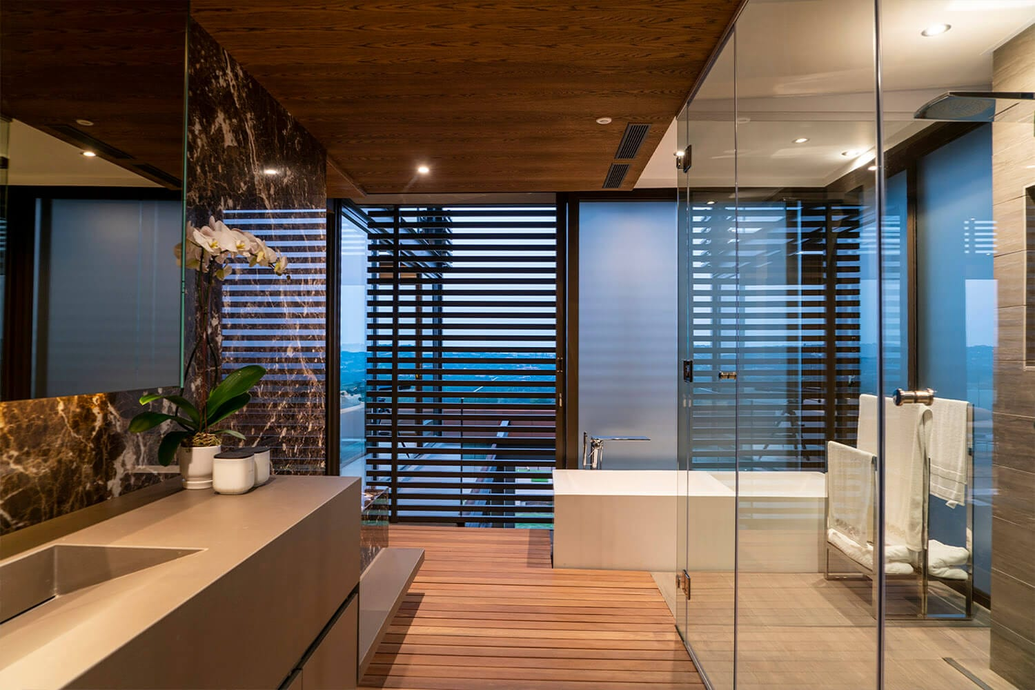 50-Frameless Glass Showers-1024x683